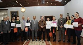 Kazakistanlı Öğrencilerimiz Sertifikalarını Aldı