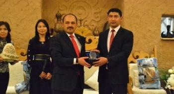 Türkistan Coğrafyasından Rektörümüz Aydın'a Verilen Ödüllere Bir Yenisi Daha Eklendi