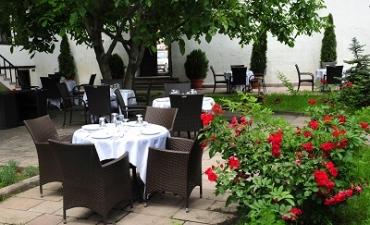 Üniversitemiz Mevlüt Beyribey ve Cide Konukevleri ile Yed-i Beyza Bahçesi Konuklarını Bekliyor