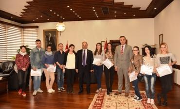 Erasmus+  Kapsamında   Üniversitemize    Gelen    Staj    Öğrencileri Rektörümüzü Ziyaret Etti