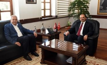 Murat Başesgioğlu'ndan Rektörümüze Ziyaret