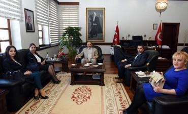 """Üniversitemiz ile Türkiye Ziraat Bankası Kastamonu Şubesi arasında """"Bireysel Emeklilik Sistemi Otomatik Katılım"""" protokolü imzalandı."""