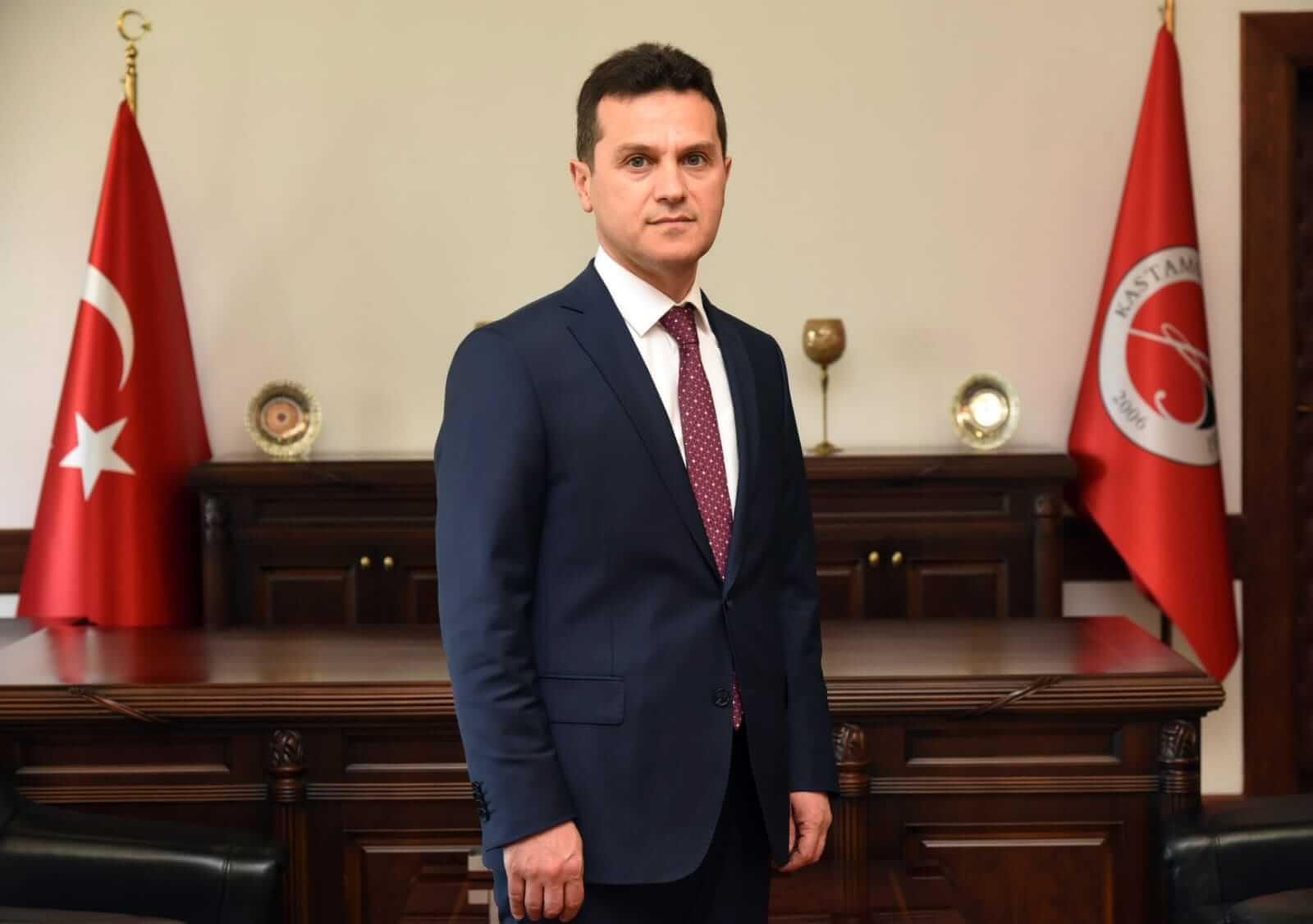 Rektör - Prof.Dr.Ahmet Hamdi TOPAL